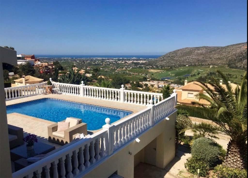 Private pool vacation villas d for Villas con piscina privada