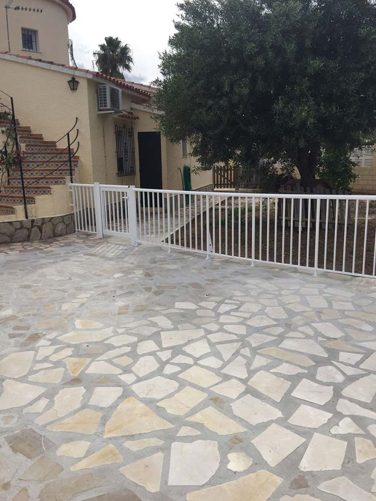 Vallas para el jardín Alucardona Pvc y Aluminios, S.L - Dénia.com