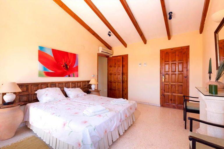 Dormitori estil rústic Casa Hort Quality Rent a Vila