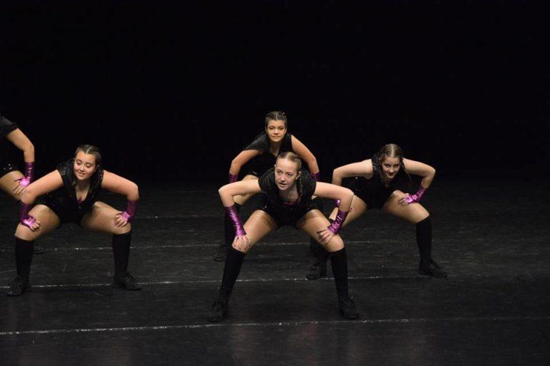 Participación de alumnos de Babylon en concursos de danza como grupo