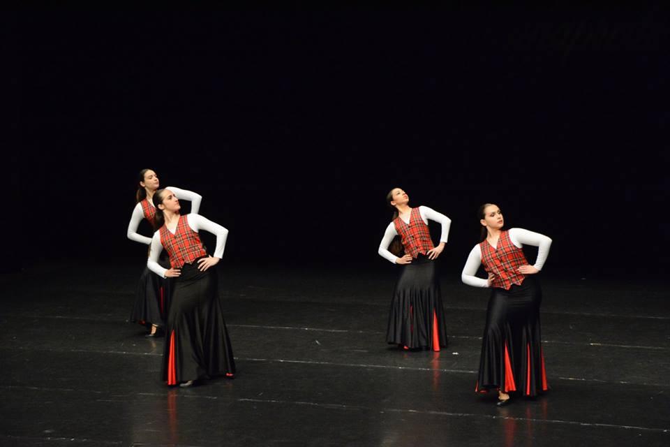 Participación de alumnos de Babylon en concursos de danza en grupo