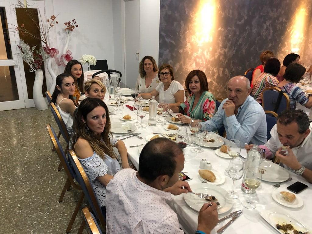 Asstentes a la cena solidaria de Chigüines