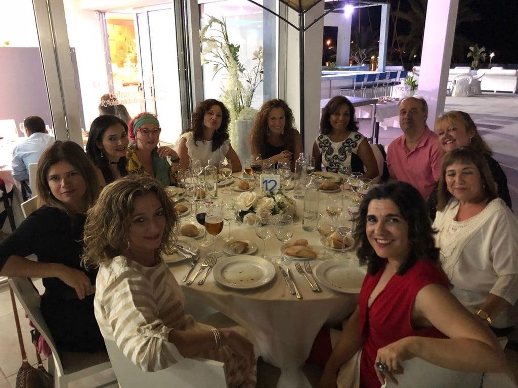 Participantes en la cena solidaria de Chigüines
