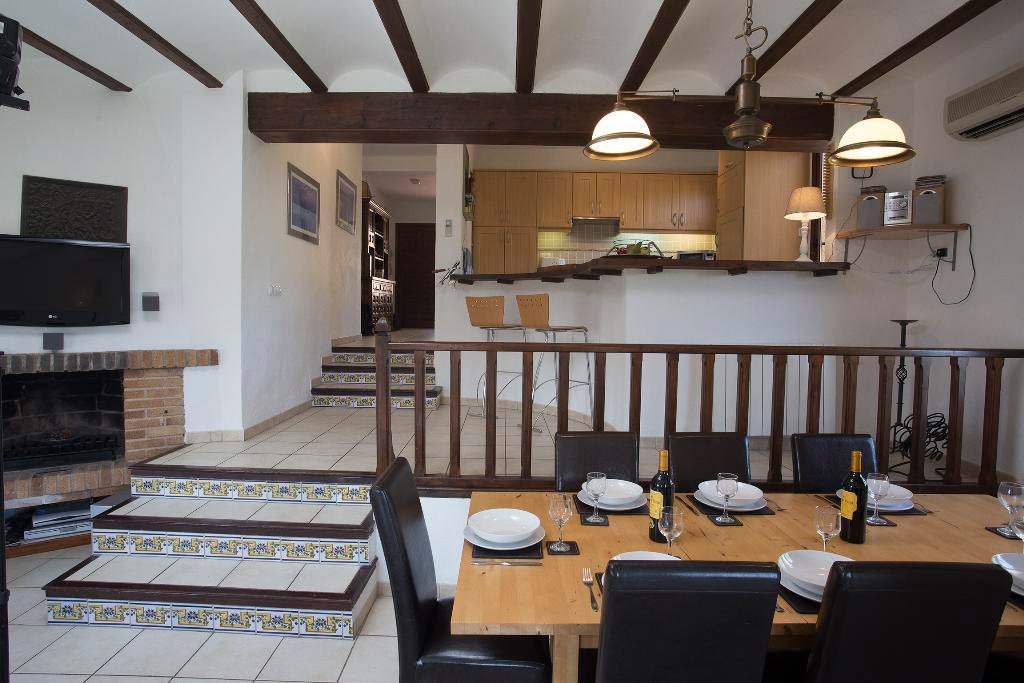 Zona menjador casa Berg Quality Rent Vila
