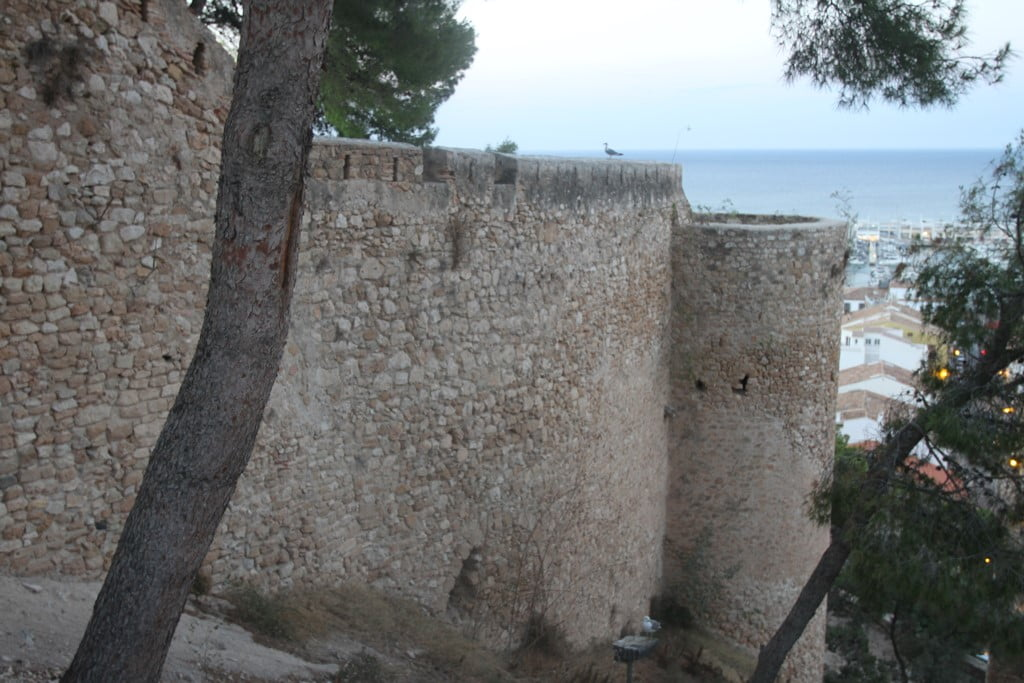 Route at sunset through the Castle of Dénia - Torres