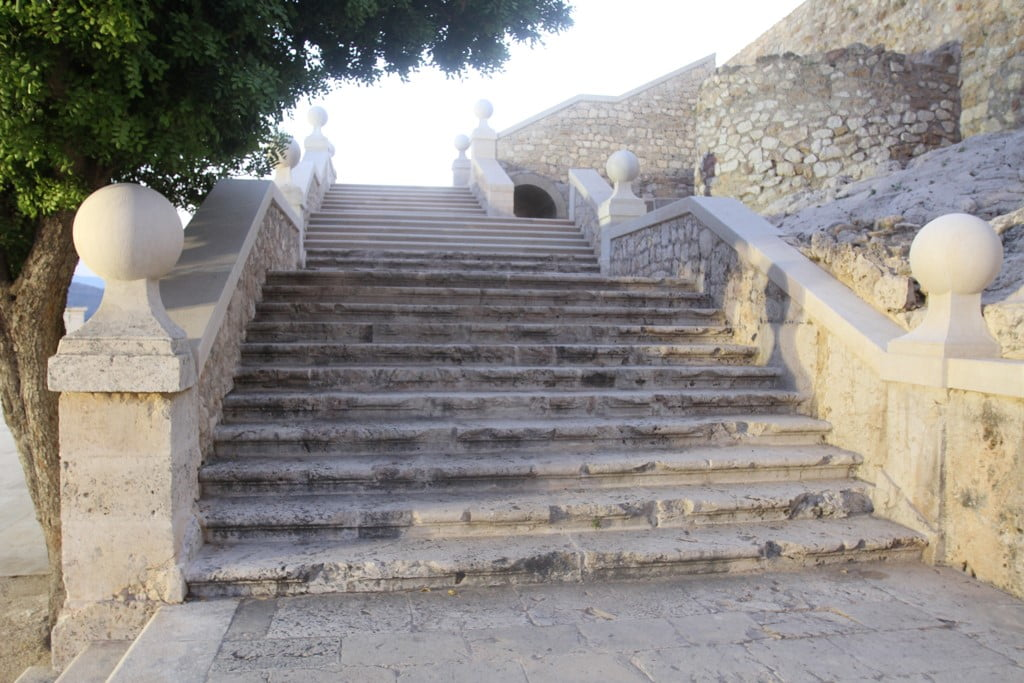 Sunset route through the Castle of Dénia - Escalera