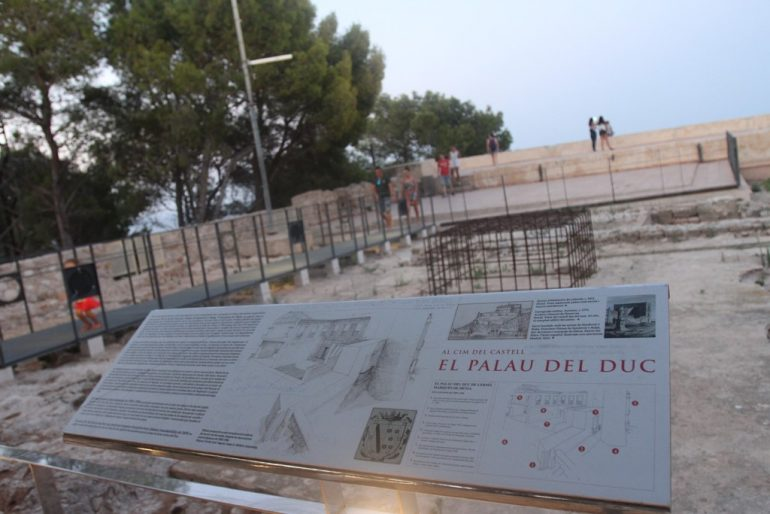 Sunset route through the Castle of Dénia - Remains of the Palau del Duc