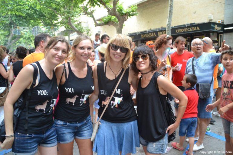 Primer día de fiestas de Dénia 2018 - Peñas en la calle Campos