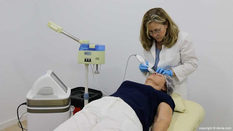 Behandlungen Klinik Arzt Flores de Apodaca