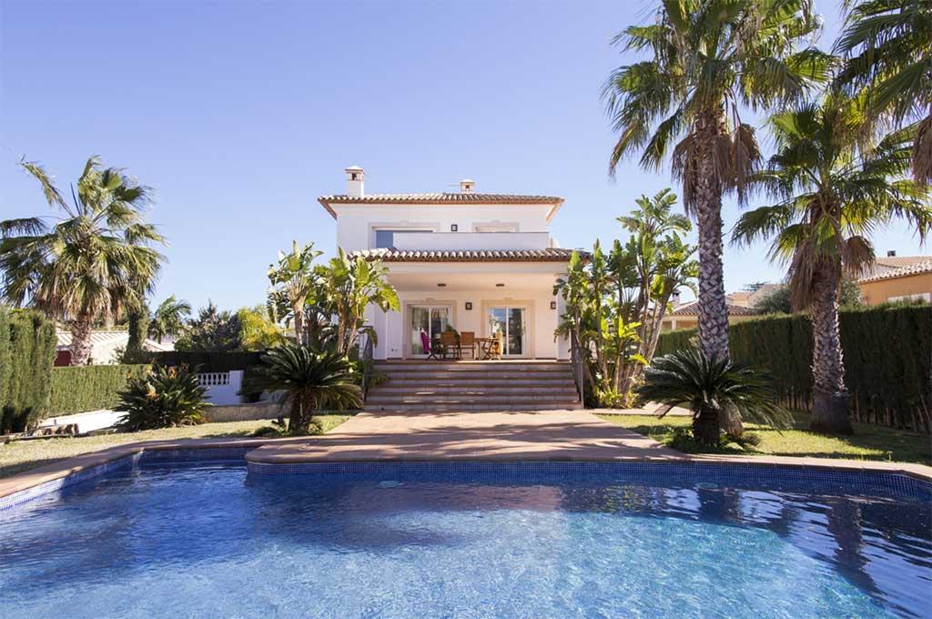 Villa amb piscina lloguer Deniasol
