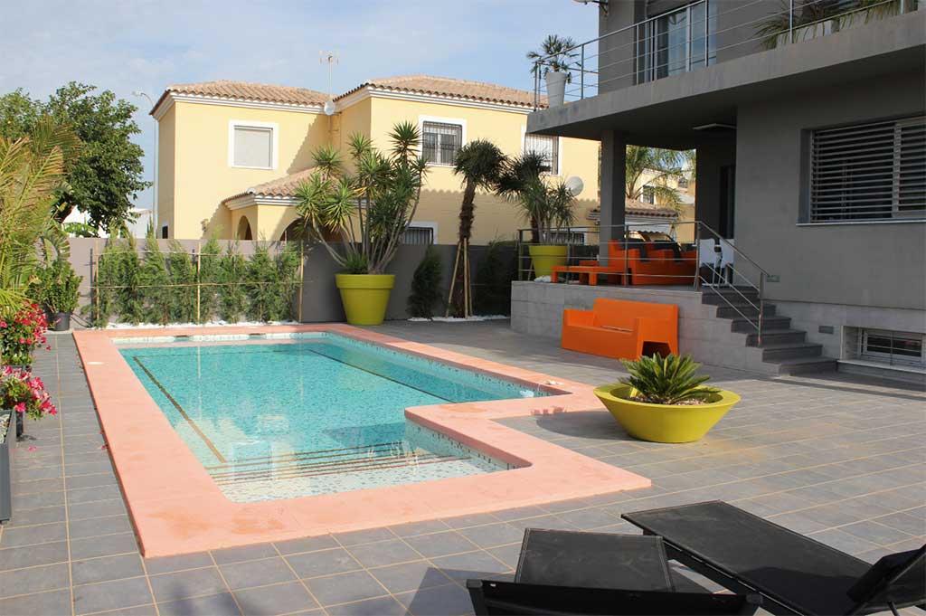 Villa amb piscina Deniasol