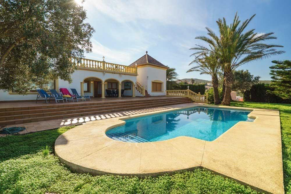 Habitatge amb piscina Deniasol