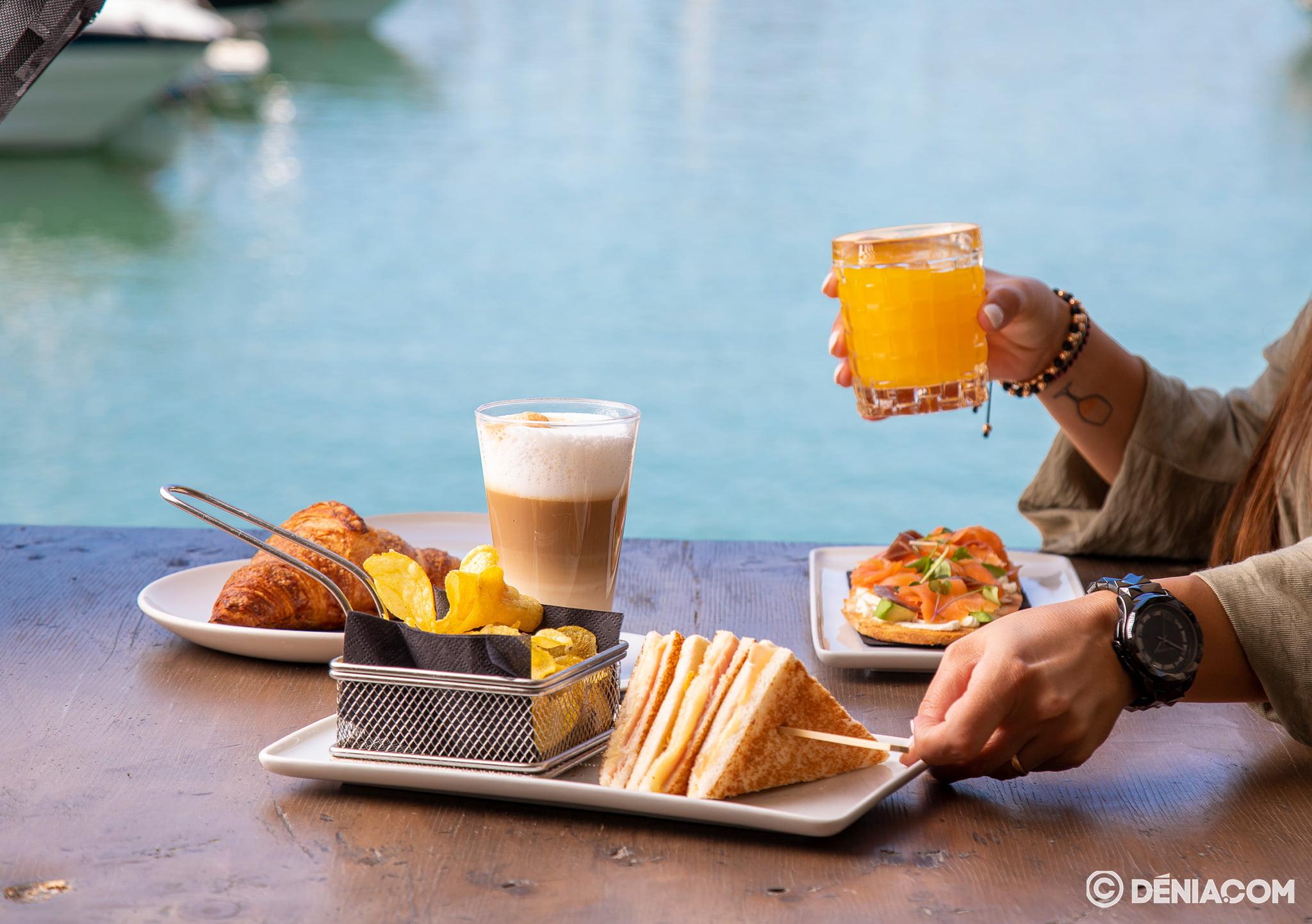 Esmorzar en Dénia- Pa Picar Una cosa