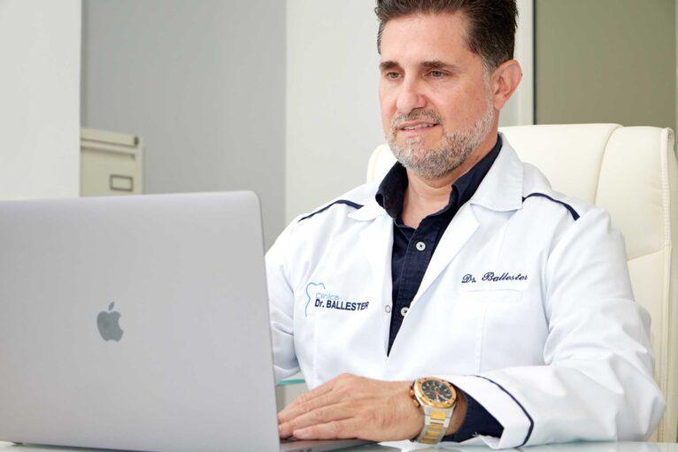 Implantología y traumatología en Denia - Dr.Ballester