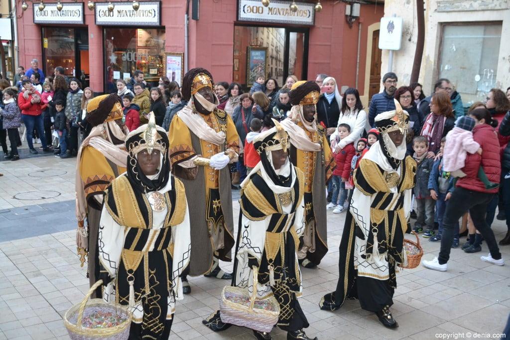 04 Visita dels Carters Reials a Dénia 2019 - Arribada a l'Ajuntament
