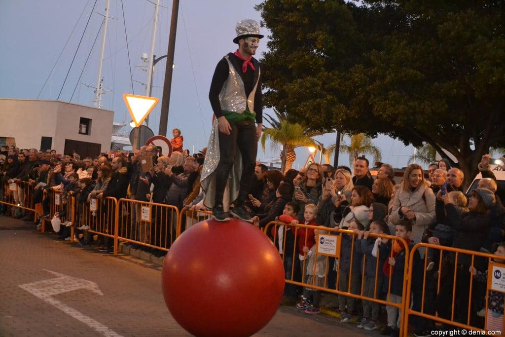 Cabalgata Reyes Magos Dénia 2019 - Equilibrista