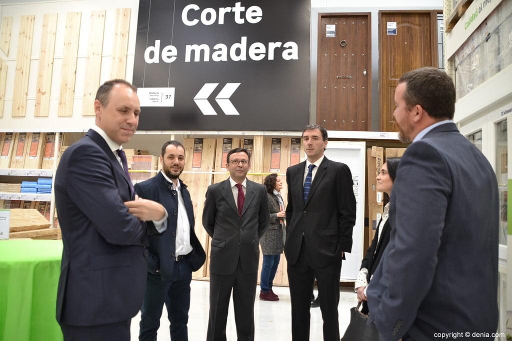Leroy Merlín Compact Ondara – autoridades en la inauguración