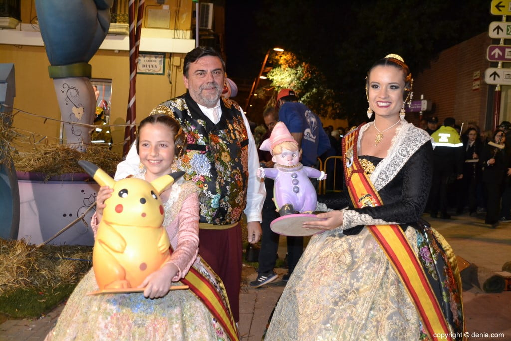 01 Cremà de la falla of the Local Board Fallera 2019 - Amparo and Neus with their ninots