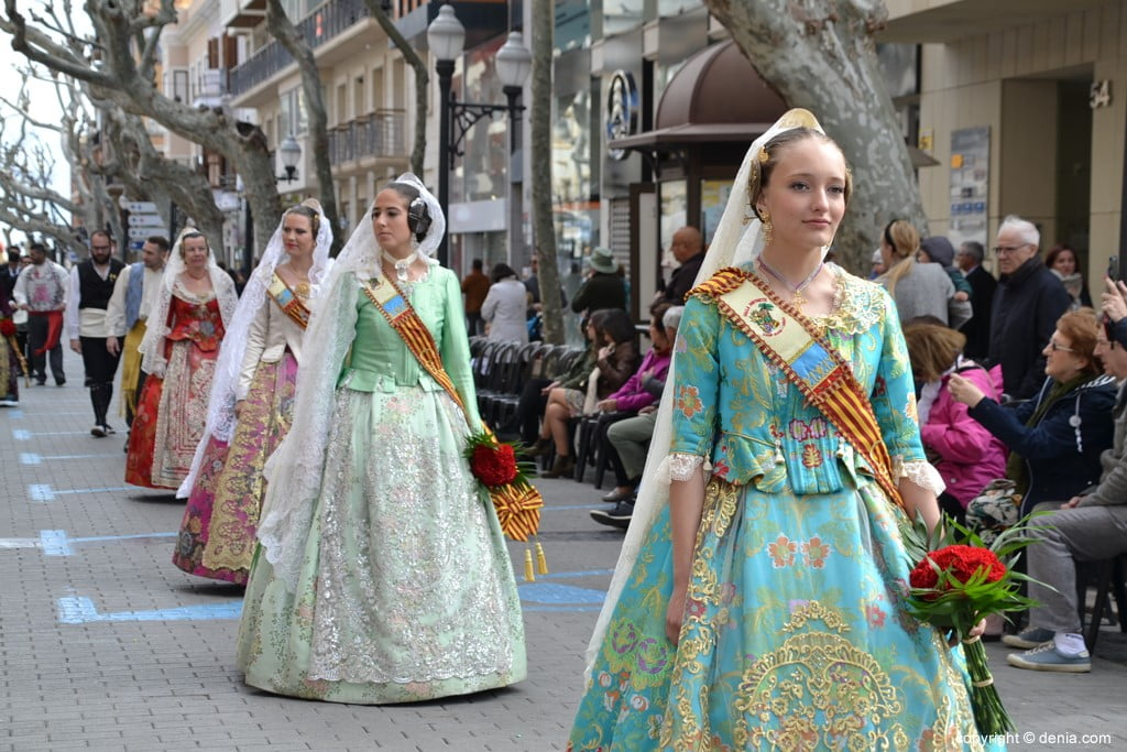 08 Flower offering Fallas Dénia 2019 - Falla Camp Roig