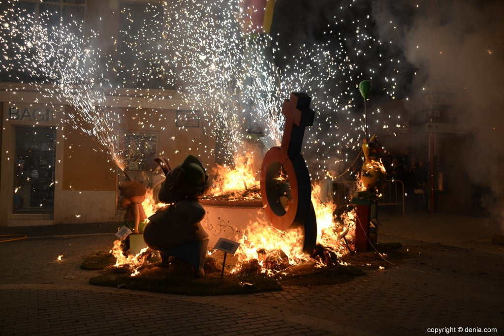 09 Cremà de la falla of the Local Board Fallera 2019 - FUego