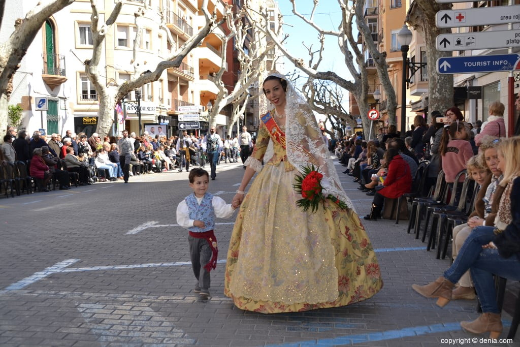 09 2019 Offering Dénia Fallas - Paris Falla Pedrera