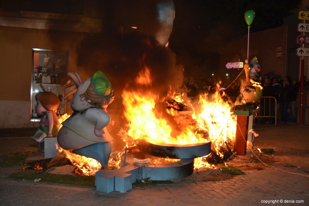11 Cremà de la falla of the Local Board Fallera 2019 - FUego