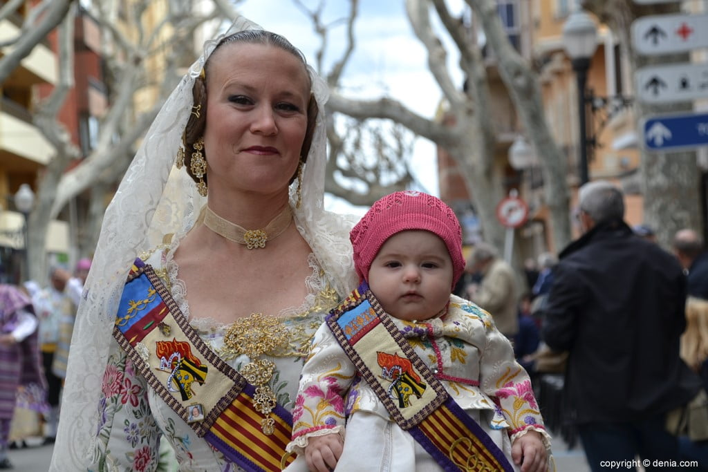 19 2019 Offering Dénia Fallas - Falla Campaments