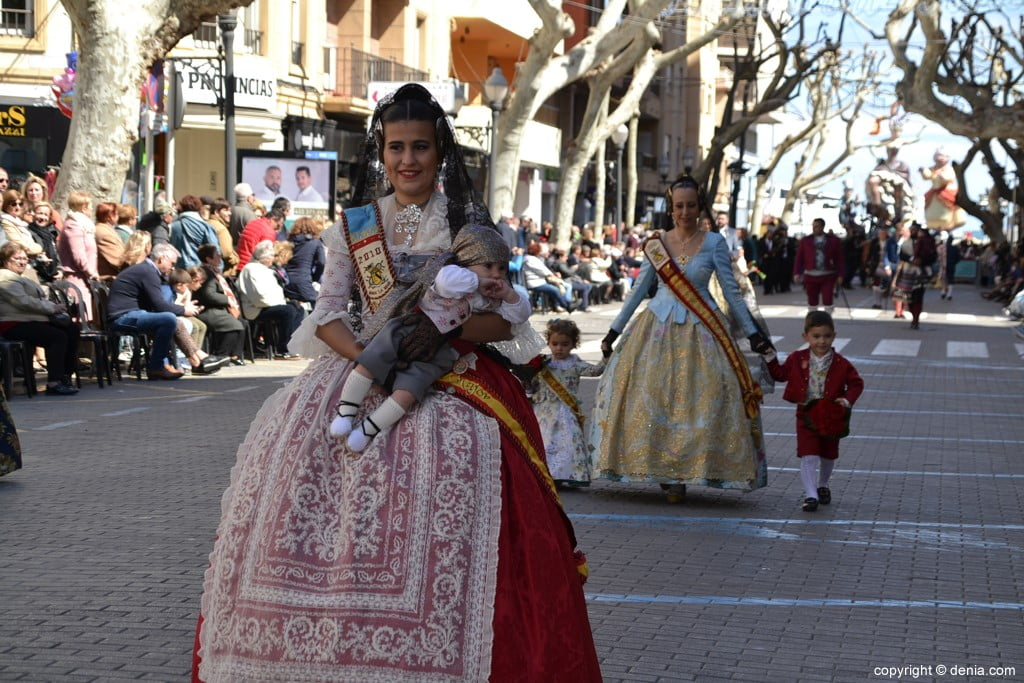 21 2019 Offering Dénia Fallas - Falla Baix la Mar