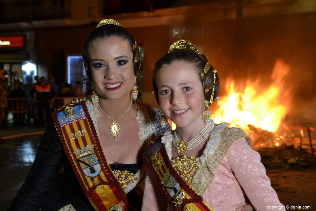 25 Cremà de la falla of the Fallera Local Board 2019 - Amparo and Neus