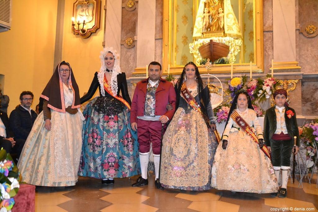 32 Offering of flowers in the church - Falla Baix la Mar