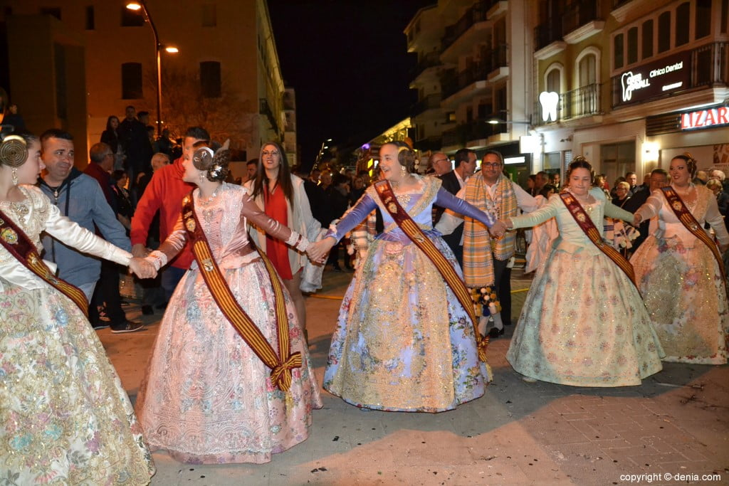 39 Cremà de la falla of the Local Board Fallera 2019 - Surrounding the fire