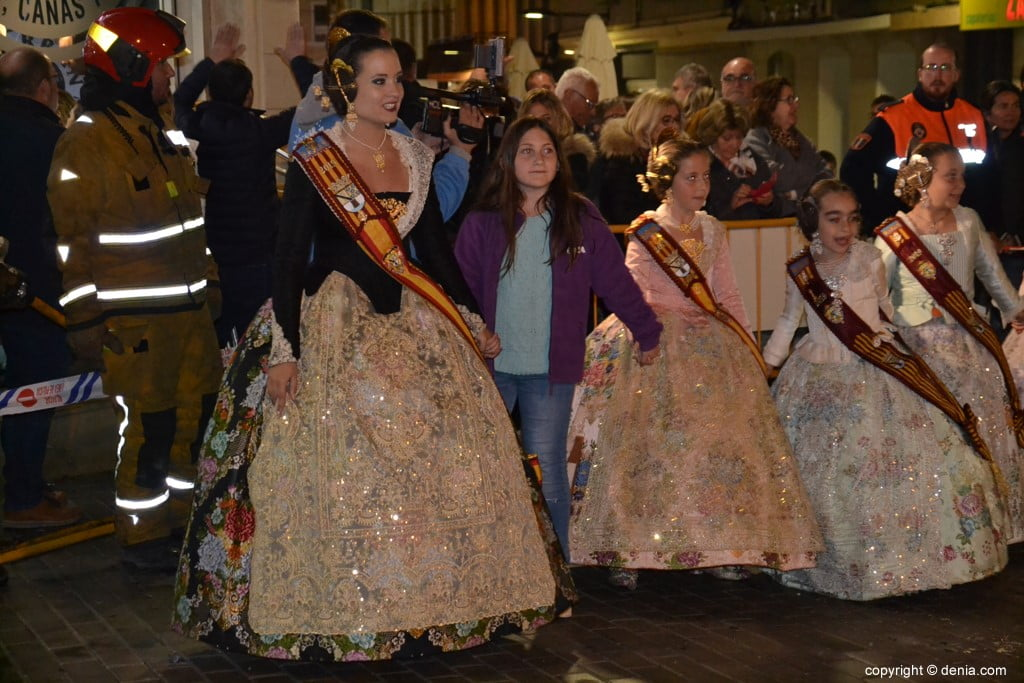 40 Cremà of the failure of the Local Board Fallera 2019 - Surrounding the fire
