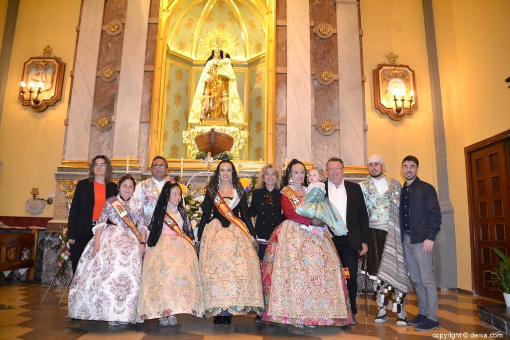 56 Offering of flowers in the church - Families of Neus and Amparo