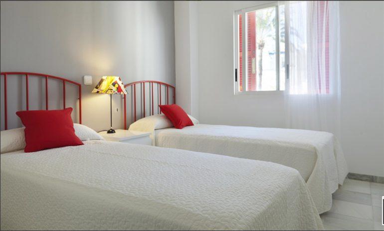 Deniasol bright bedroom