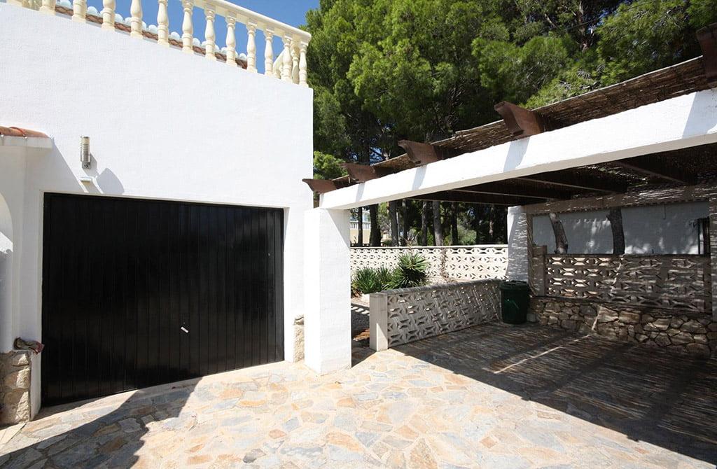 Garage van het huis Stella Inmo Consulting