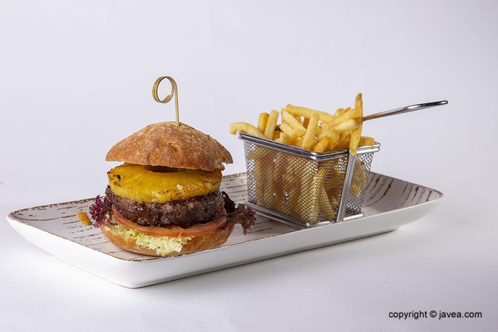 Hamburguesa con piña – Restaurante Ammos