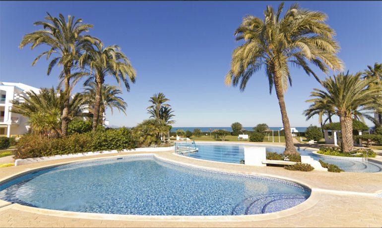 Magnífica piscina comunitària Deniasol