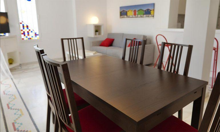 Deniasol dining area