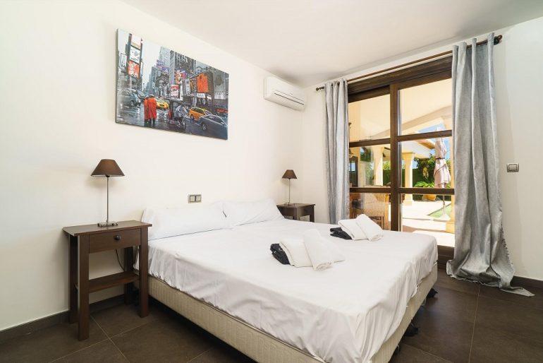 Ampli dormitori de lloguer Aguila Rent a Vila