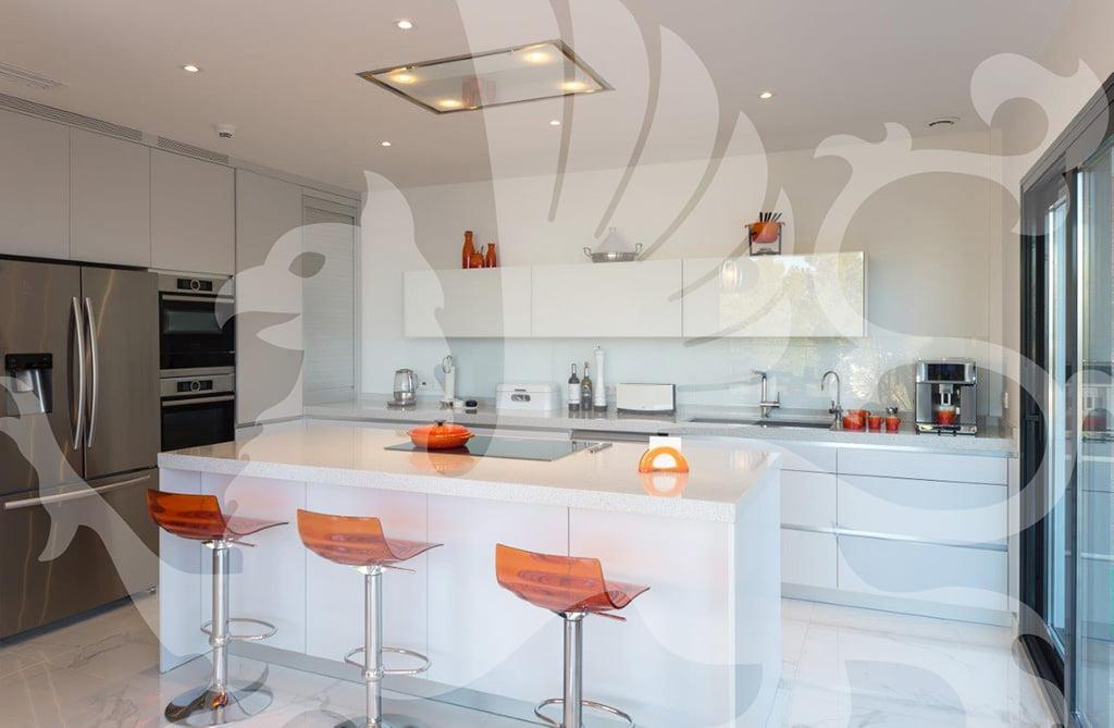 Cucina villa Stirling Ackroyd in Spagna