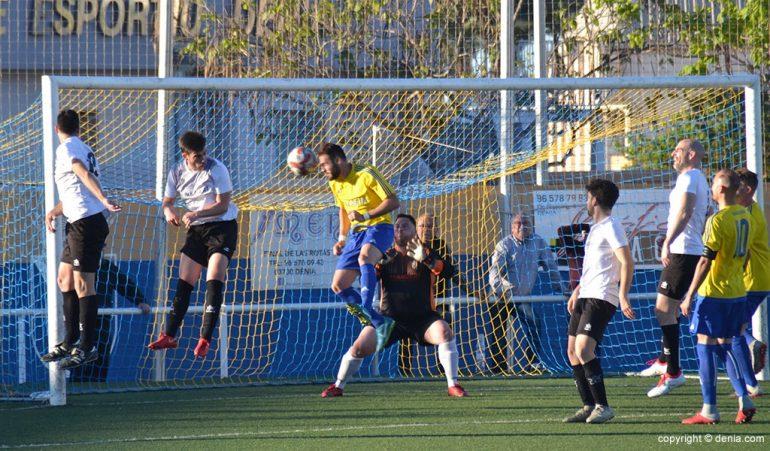 Guerrero marcando el primer gol