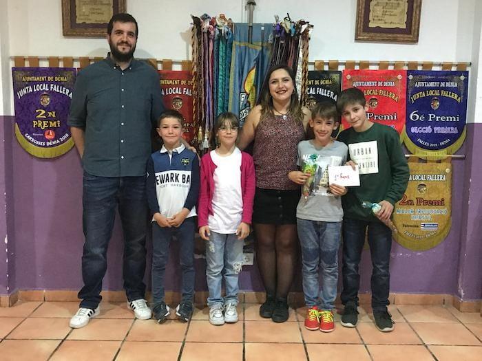 Ganadores del III Campeonato de Futbolín Infantil de la Falla Campaments