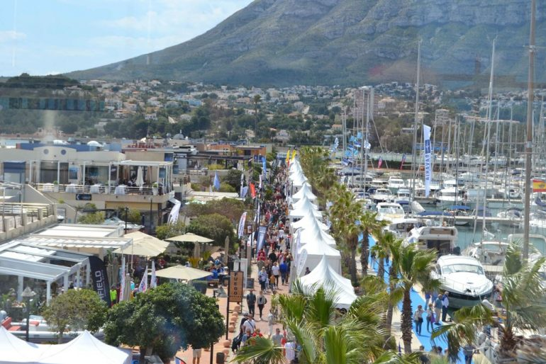 Visitors to the XII Dénia Boat Show
