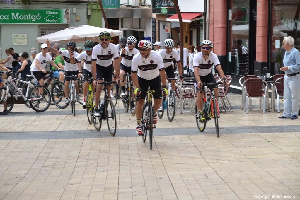 V Cursa Solidària Angers - Dénia - Arribada dels ciclistes
