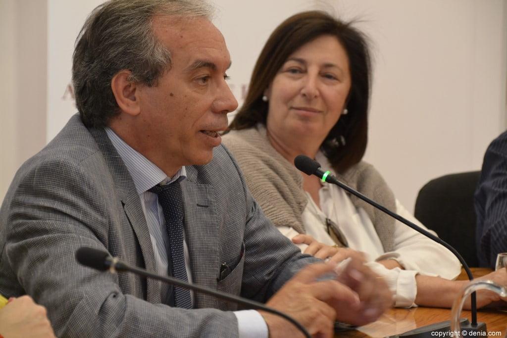 Último pleno de la legislatura en Dénia – Miguel Llobell y Pepa Font