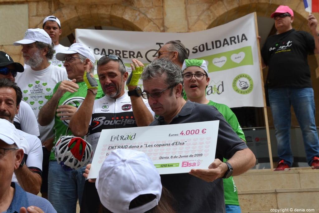 V Cursa Solidària Angers - Dénia - Lliurament de xecs
