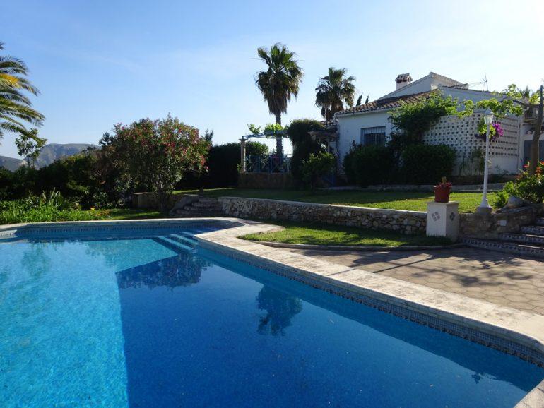Villa with pool in Dénia - Casas Singulares