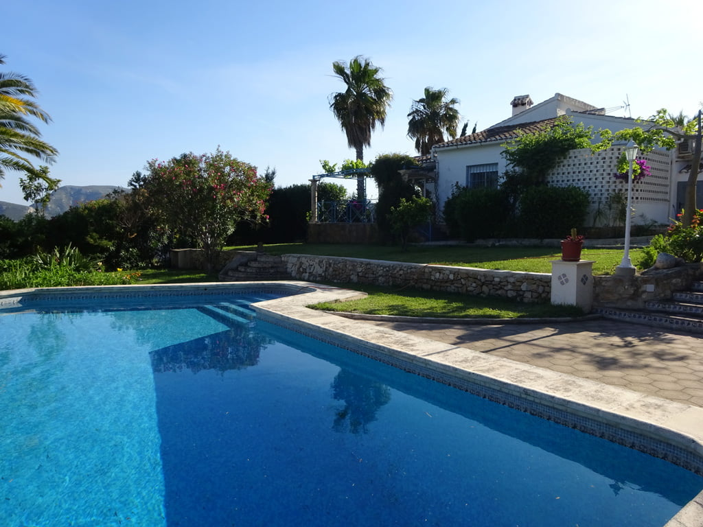 Villa with pool in Dénia - Singular Houses