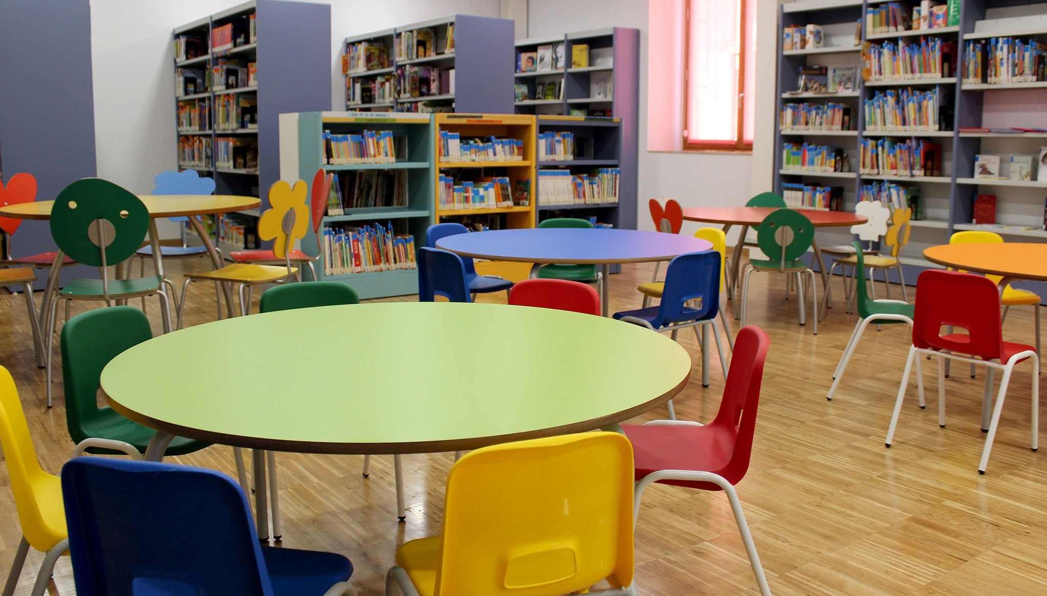 Sala de lectura infantil de la Biblioteca Municipal de Dénia
