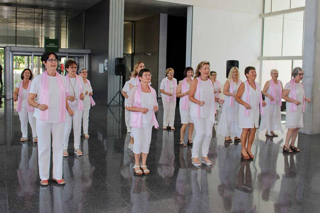 Actuación de Valentes i Positives en el Hospital de Dénia